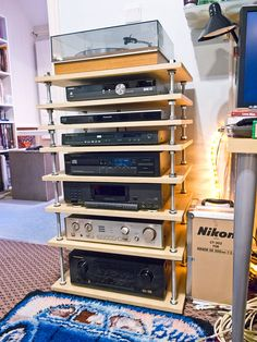Plywood Projects, Diy Pallet Projects, Audio Stand, Tv Entertainment Centers, Audio Rack, Retro, Diy Speakers, Vinyl Storage, Home Theater Rooms