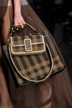 Fendi Spring 2020 Fashion Show Details. All the fashion runway close-up details, shows, and handbags from the Fendi Spring 2020 Fashion Show Details. Fashion Bags, Fashion Show, Fashion Accessories, Milan Fashion, Women Accessories, Luxury Fashion, Cute Purses, Cheap Purses, Cheap Handbags
