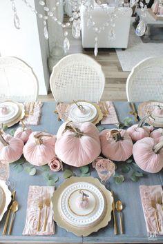 Rose Gold Christmas Decorations, Thanksgiving Decorations, Seasonal Decor, Thanksgiving Table, Fall Decorations, Chic Halloween, Pink Halloween, Pink Pumpkins, Velvet Pumpkins