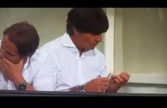 VIDEO: Joachim Löw se limó las uñas en pleno juego de Alemania  - Alemania le recetó este sábado una paliza de 7-0 a Gibraltar en su partido de Eliminatorias para la Eurocopa 2016 y el técnico Joachim Löw volvió...