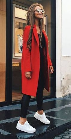 Omg, check out this red coat! Get inspired by Vinted's Autumn looks. Buy second-hand clothes. https://www.vinted.co.uk/ #FashionRevolution #vinted
