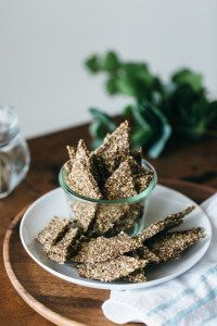 Gluten-free, grain-free, nut-free, paleo and vegan. Source by Related posts: Crunchy keto-linseed crackers Crunchy chia seed crackers Flax seed crackers Crunchy chia seed crackers Paleo Crackers Recipe, Homemade Crackers, Vegan Crackers, Cracker Recipe, Paleo Food List, Raw Food Recipes, Snack Recipes, Cooking Recipes, Hemp Seed Recipes