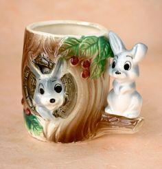 Vintage Ceramic Rabbit Hutch Tree Trunk Kitsch Mug