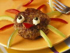 Buletten-Spinnen zu Halloween - Zeit: 25 Min. | eatsmarter.de