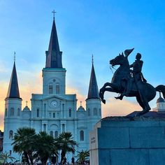 Take me to church! Good morning from New Orleans! #canddigoestravel #jacksonsquare #frenchquarter #travel #travelusa #roadtrip #greatoutdoors #adventure #explore #landmark #nola #neworleans #louisiana #stlouiscathedral #beautifulplaces #beautiful #neverstopexploring by canddi1014