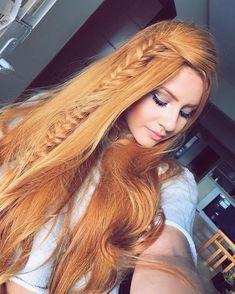 Long Red Hair, Girls With Red Hair, Long Hair Cuts, Long Hair Styles, Red Hair Woman, Beautiful Red Hair, Gorgeous Redhead, Tips Belleza, Shiny Hair