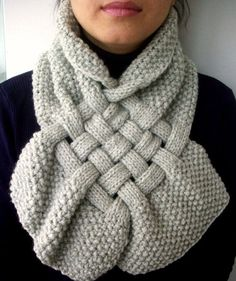 """Oooo - like! I'd make the """"tails"""" a little longer, but here's a Celtic knit pattern worthy of the time it would take!"""