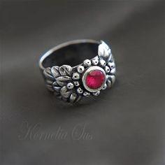 Kropla miłości- srebrny pierścionek z rubinową cyrkonią Biżuteria Pierścionki Kornelia Sus