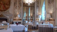 ARR1 Le Meurice in Paris The restaurant is open from Monday to Friday, for lunch (from 12.30 pm to 2.30 pm) and for dinner (from 7.30 pm to 10.00 pm). And for breakfast (from 7.00 am to 10.30 am during the week and from 7.00 am to 11.30 am on weekends).