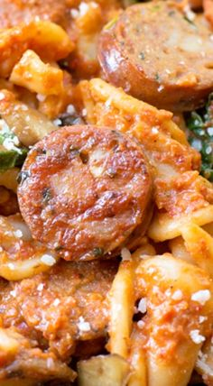 Sausage, Mushroom & Spinach Pasta with Red Pepper Sauce