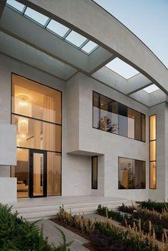 arquitectonico Agalarov Estate is a private contemporary villa with a distinctive facade designed in 2014 by architecture studio SL* Project, located in Moscow, Russia. Dream House Interior, Luxury Homes Dream Houses, Dream Home Design, Dream Homes, Facade Design, Exterior Design, Exterior Colors, Exterior Tradicional, Facade House