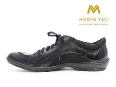 Moderné kožené poltopánky pre mužov. Topánky sú na uväzovanie. Svojím vzhľadom…
