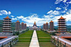 Fo Guang Shan Buddhist Monastery,  Kaohsiung #Taiwan  高雄 佛光山佛陀紀念館 Taiwan Food, India Asia, Macau, Taipei, North Korea, Mongolia, Beautiful Islands, Travel Around The World, Buddhism