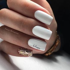 On average, the finger nails grow from 3 to millimeters per month. If it is difficult to change their growth rate, however, it is possible to cheat on their appearance and length through false nails. Cute Acrylic Nails, Acrylic Nail Designs, Cute Nails, Hair And Nails, My Nails, Wedding Nail Polish, Square Nail Designs, Gel Nails At Home, Healthy Nails