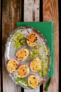Retro stuffed eggs in shells <3