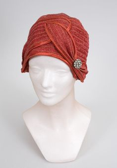 Cloche Hat - 1924 - The Goldstein Museum of Design - @Mlle