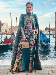 Jennifer Lopez, Jennifer Hudson, Moda Fashion, Fashion Week, Fashion Dolls, Fashion Show, Fashion Music, Heidi Klum, Kourtney Kardashian