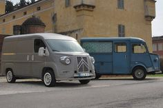 The Citroen Type H Anniversary Van is a limited edition kit car being built in Italy to celebrate the birthday of Flaminio Bertoni's original Citroen H Van. Citroen Type H, Citroen H Van, Psa Peugeot Citroen, Cool Vans, Kit Cars, Bike Design, Old Trucks, Amazing Cars, Concept Cars