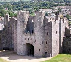 Pembroke Castle - Well Preserved Medieval Keep Castle in Wales