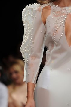 Francesco Scognamiglio at Milan Fashion Week Spring 2011 - Livingly Couture Fashion, Runway Fashion, Fashion Beauty, Womens Fashion, Milan Fashion, Couture Details, Fashion Details, Fashion Design, Fashion Images