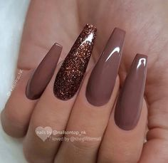 30 Thanksgiving Nail Art Ideas to Set Major Mani Goals Set mani goals for the festive season with these fancy and fascinating Thanksgiving Nail art ideas. Check out best Thanksgiving Nails and fall nails here. Fall Acrylic Nails, Acrylic Nail Designs, Nail Art Designs, Fall Nails, Nails Design, Brown Nail Designs, Acrylic Colors, Winter Nails, Acrylic Nails Coffin Matte