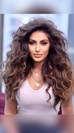 You'll be the envy of everyone you know with gorgeous long wavy hair! We're showing off drop-dead beautiful wavy hairstyles for long hair. Click on the link right now. (Photo credit IG @victorekeyrouz) Wavy Hairstyles, Latest Hairstyles, Drop Dead Beautiful, Long Wavy Hair, Hair Hacks, Photo Credit, Envy, Long Hair Styles, Link