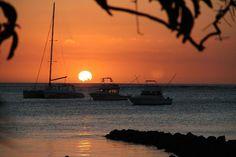 Paradis Hotel & Golf Club, Mauritius - Les couchers de soleil sur le lagon!!!!... (AVaxRomagnat, Oct 2013) C'est le paradis!