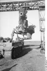 Repairing a Tiger I heavy tank, Russia, 21 Jun 1943, photo 15 of 21