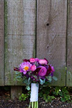 Fall wedding / Fall wedding flowers / plum wedding / purple wedding / eucalyptus / dahlias / Calla Lillie's / ranunculus