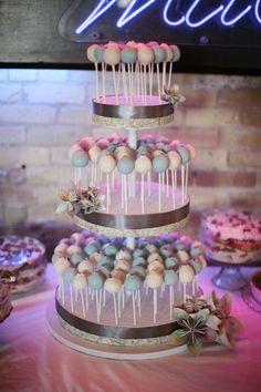 """Os cakepops são tão """"multiuso"""" que há quem use cakepops em vez de bolo!"""