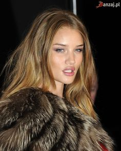 Rosie Huntington-Whiteley | ELLE Style Awards 2010