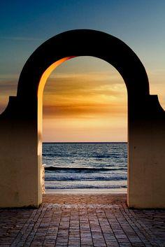 Sea Arch, Sperlonga, Italy by fingolfin75, via Flickr