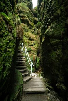 The ten most beautiful gorges in Germany - Deutschland Reise - Viagem Europa Europe Destinations, Europe Travel Tips, Cool Places To Visit, Places To Travel, Places To Go, Trailers Camping, Base Jump, Travel Tags, Voyage Europe