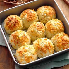 Parmesan-Ranch Pan Rolls Pan Rolls Recipe, Bread Dough Recipe, Recipes With Frozen Bread Dough, Bagels, Tortillas, Bread Recipes, Cooking Recipes, Cooking Pork, Dip Recipes
