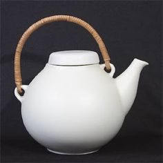 teapot designed by Ulla Procope, for Arabia, Finland. Cherish mine bought with some of my birthday money so Ceramic Pots, Porcelain Ceramics, Teapot Design, Birthday Money, House Of Beauty, Honey Colour, Teapots And Cups, Mid Century Decor, Shabby Chic Style