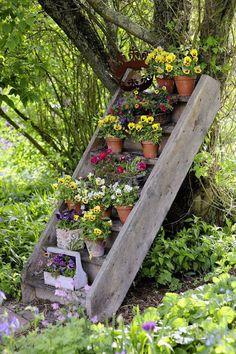 Garden Crafts, Garden Projects, Garden Art, Garden Design, Garden Cottage, Garden Ideas, Back Gardens, Outdoor Gardens, Garden Labels