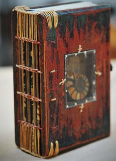Handmade Books - Leslie Marsh via Seth Apter Journal Covers, Book Journal, Art Journals, Journal Diary, Handmade Journals, Handmade Books, Handmade Notebook, Paper Book, Paper Art