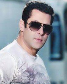 Bighearted Salman Khan sponsors spot boy's wedding - http://weddingmidlands.co.uk/reception-entertainment/bighearted-salman-khan-sponsors-spot-boys-wedding/