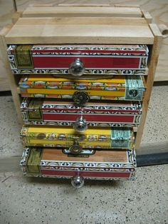 I need to do this with the left over cigar box guitar supplies! Crafted Cigar Box Chest Of Drawers, Jewelry Box And Keepsake Box Cigar Box Diy, Cigar Box Crafts, Cigar Box Purse, Cigar Art, Diy Box, Cigar Box Guitar, Cigar Box Projects, Diy Projects, Altered Boxes