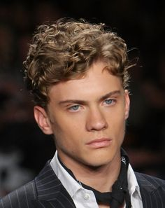 Blonde Curly Hair Men - Best Blonde Hairstyles For Men: Hot Blonde Hair Guys with Cool Haircuts and Styles Thin Curly Hair, Wavy Hair Men, Blonde Curly Hair, Boys With Curly Hair, Haircuts For Curly Hair, Haircuts For Men, Hairstyles Haircuts, Curly Hair Styles, Long Curly
