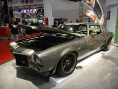 Goldberg introduces the 1970 Chevrolet Diversion Camaro created by the Ring Brothers. See the pictures from SEMA 2011 http://www.rawhorsepower.com/rawhorsepo.. #Ringbrothers #StandApart #Car #Chevy #Chevrolet #Camaro #AmericanMuscleCar.