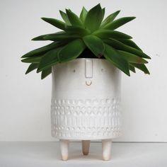 Image of Tripod pot in white