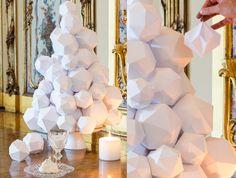 Comment faire des boules de Noël en papier