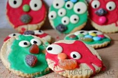 Monster Cookies - Easy Baking for Kids on Red Ted Art Easy Halloween Crafts, Halloween Kids, Halloween Treats, Halloween Buffet, Preschool Halloween, Halloween Stuff, Halloween Party, Crafts For Boys, Toddler Crafts
