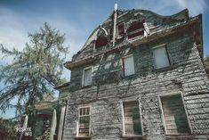 Недалеко от города Ошмяны в деревне Буденовка находится Заброшенная усадьба еврейского рода Стругачей. 100-летний дом почти полностью разрушен и находится плачевном состоянии