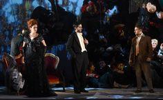 Sonia Ciani (Violetta Valéry), Andrea Pellegrini (Barone Douphol), Fabrizio Paesano (Alfredo Germont), Atto II - foto Roberto Ricci