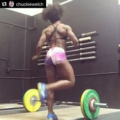 Dancing into Friday & sending lots of good vibes to one of our favorites, Quiana Welch (@chuckiewelch), competing this weekend at the American Open ♀️‼️ // #ElivateYourself #ElivateNutrition ••• •• • #Crossfit #crossfitcommunity #crossfitfamily #crossfitgirls #crossfitlife #chickswholift #doughnutsanddeadlifts #badass #girlsthatlift #chicksthatlift #eatcleantrainmean #fitnessgoals #fitnessmodels #fitchicks #liftheavyshit #fitgirls #fitlifestyle #fitlife #livefit #getstrong #cro...