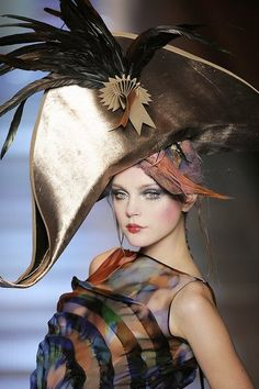Christine Galusha via Annelies ter Brugge Repinned 8 days ago from Fashion Design *Galliano