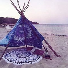 Image via We Heart It https://weheartit.com/entry/190091413 #beach #camp #couple #fire #goals #romantic #sand #sea #summer #tumblr #vacation #love