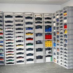 Garage Tool Organization, Garage Tool Storage, Locker Storage, Range Velo, Bike Storage Rack, Container Office, Garage Furniture, Box Shelves, Wood Design